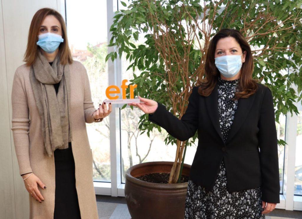 Foto de Marta Artieda, directora del certificado EFR y Amparo Merino,