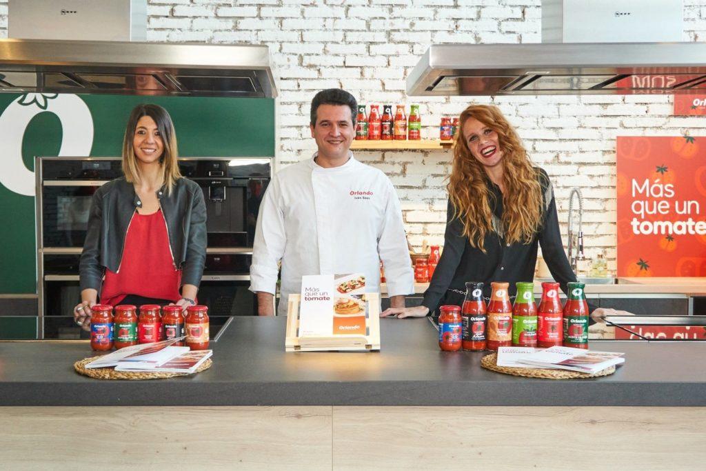 Foto de Elisenda Picola, Iván Sáez y María Castro