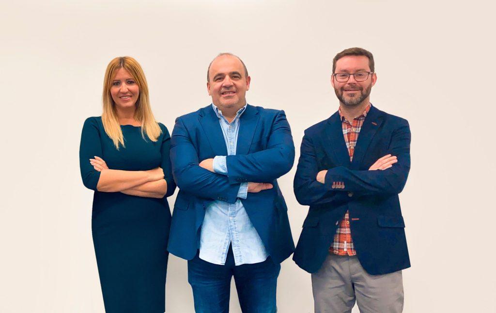 Foto de Silvia Escámez, Carlos Blanco y Marc Torres, fundadores de