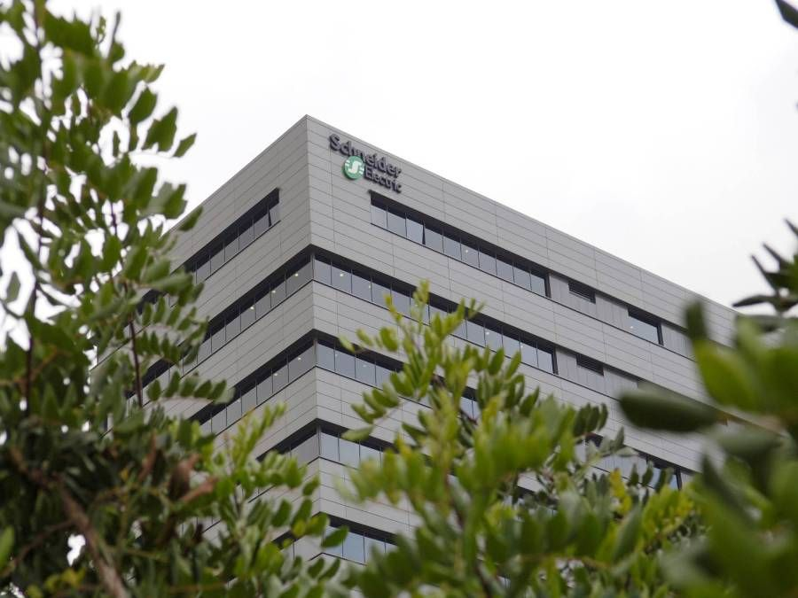 Foto de Schneider Electric implementa importantes medidas de